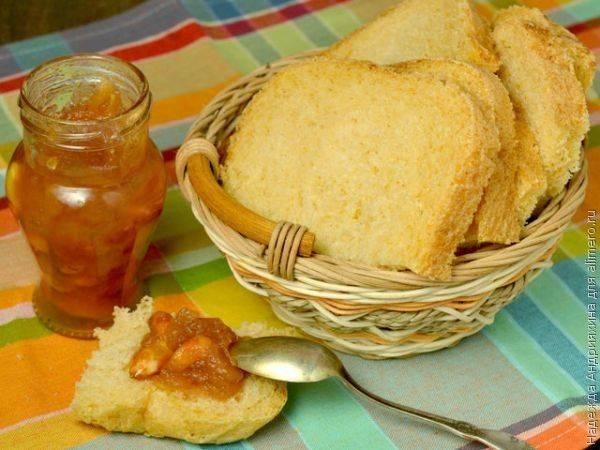 Хлеб с жареным луком и паприкой в хлебопечке