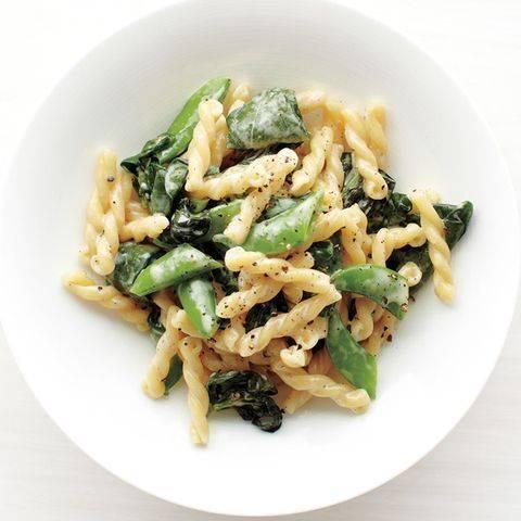 Быстрая паста с зелёным горошком и шпинатом - полезно, вкусно, быстро