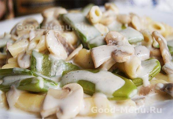 Тушеный картофель с грибами и фасолью