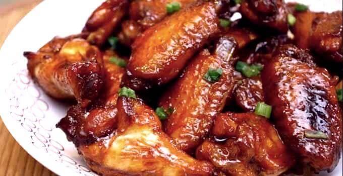 Куриные крылышки в медово-соевом, кисло-сладком, медово-горчичном и сырном соусе