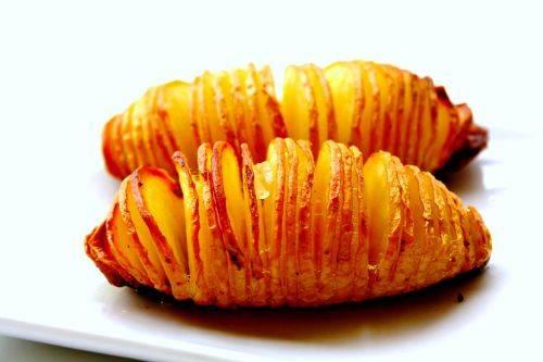 Картошка-гармошка с сыром и зеленью
