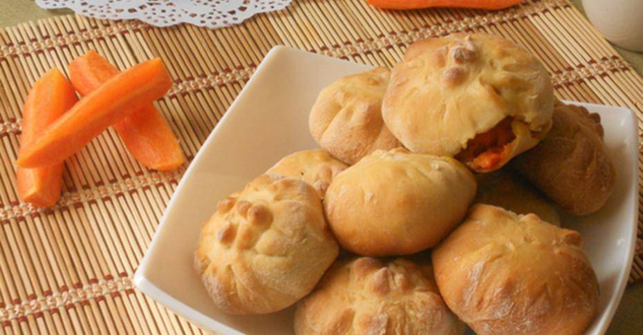 Постные морковные булочки