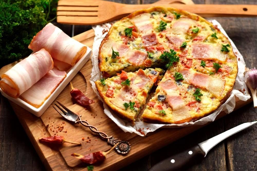 Как приготовить фриттату с помидорами и сыром