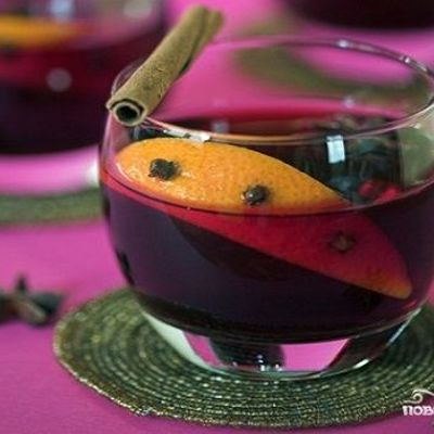 Лучшие рецепты глинтвейна: горячее красное вино помогает от простуды