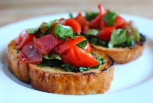 Брускетта: бесхитростная итальянская закуска