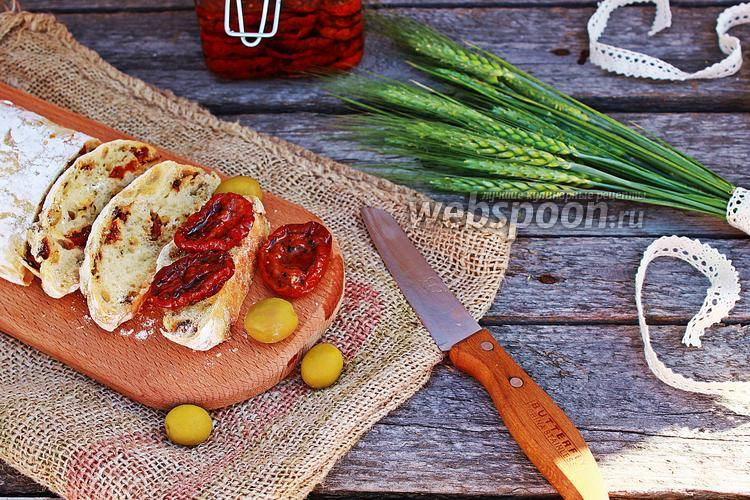 Фаршированная чиабатта с овощами и сыром