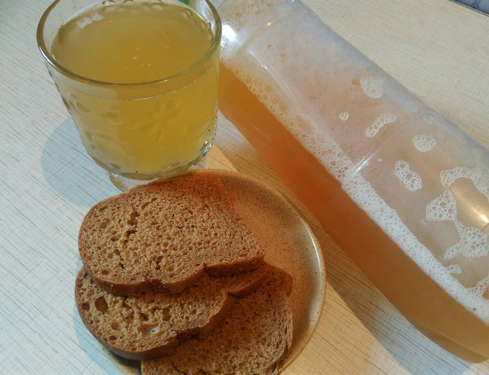 Топ-20 рецептов приготовления кваса в домашних условиях: классический и оригинальный, из хлеба, ржаной, без дрожжей, свекольный и другие (фото & видео)
