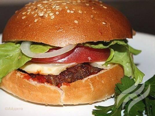 10 рецептов бургера от известных шеф-поваров