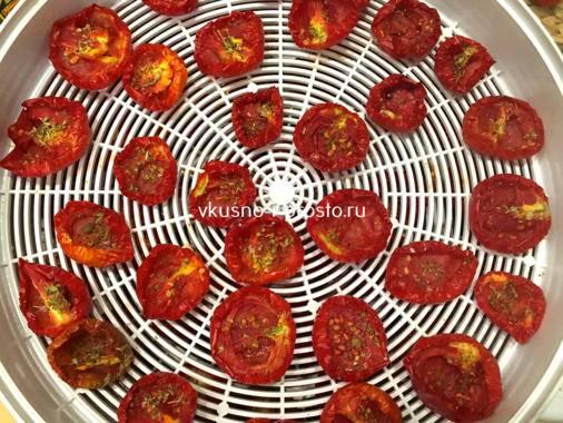 Вяленые томаты – много рецептов с фото