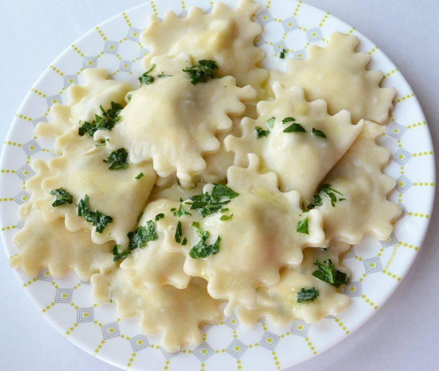 Рецепт домашние равиоли с сыром