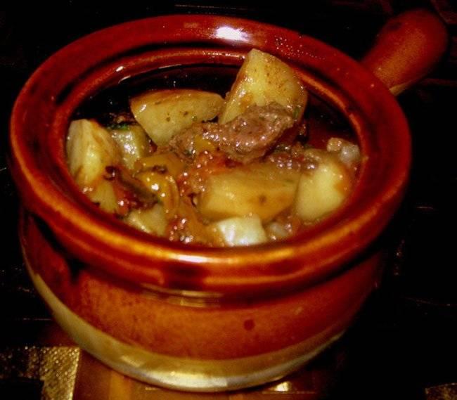 Мясо в горшочках в духовке: 114 домашних вкусных рецепта