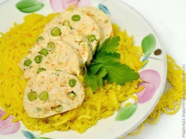 Два блюда сразу: куриные колбаски и рис в мультиварке