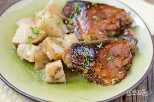 Как приготовить куриные бедра на мангале вкусно?