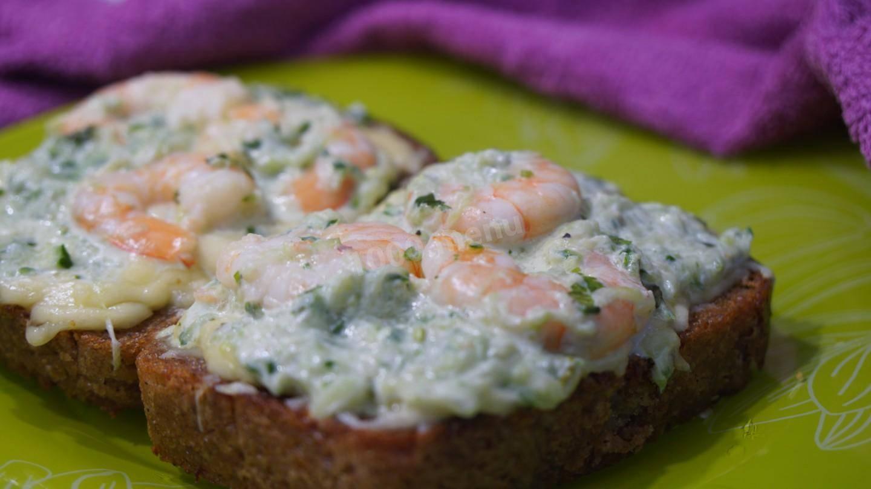 Легкие бутерброды с сыром и креветками!