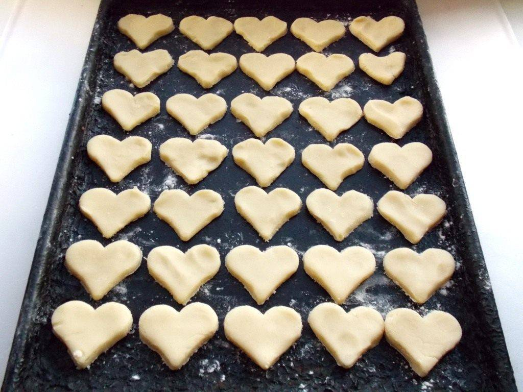 Печенье с предсказаниями в виде сердечек