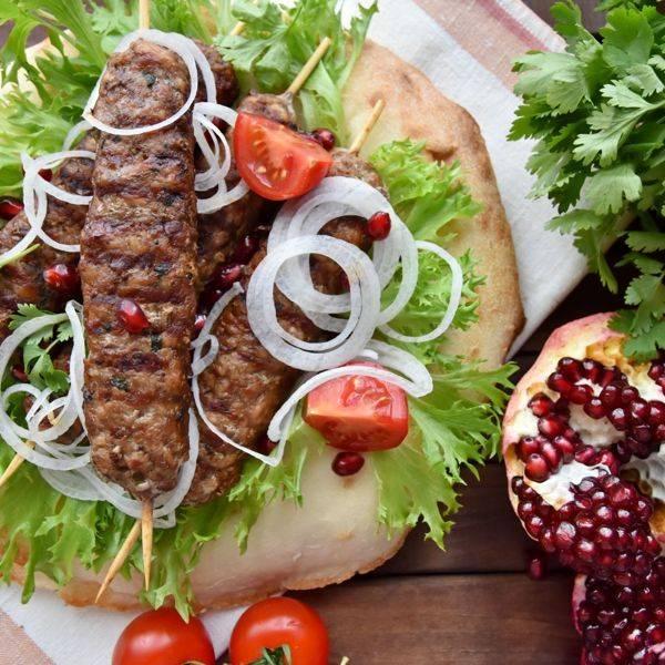 Люля-кебаб в духовке на шпажках рецепт с фото