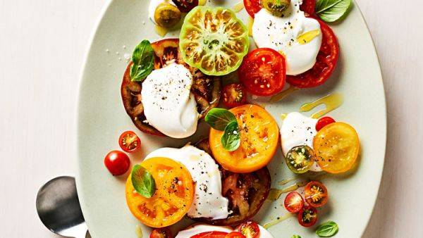 Легкая закуска: томаты со взбитыми сливками