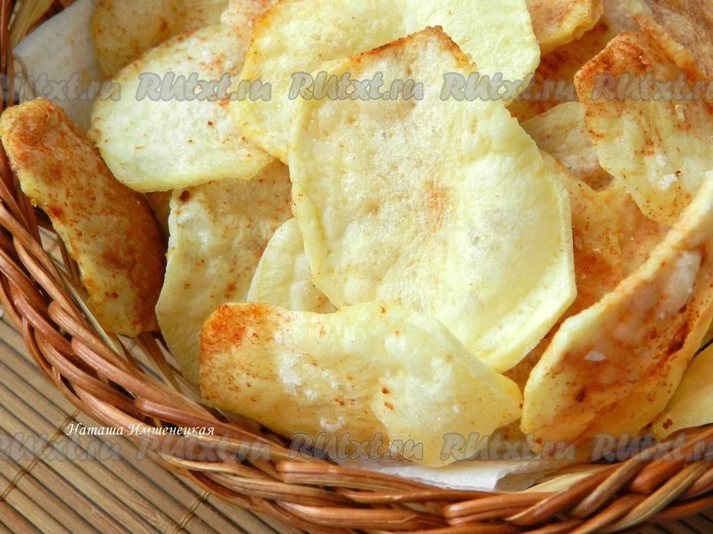 Картофельные чипсы на шпажках в микроволновке
