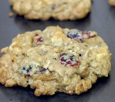 Печенье с клюквой и имбирем
