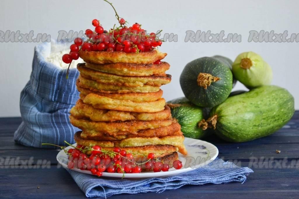 Быстрый рецепт оладушек из цукини с зеленью