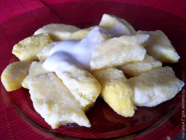 Ленивые вареники с бананом