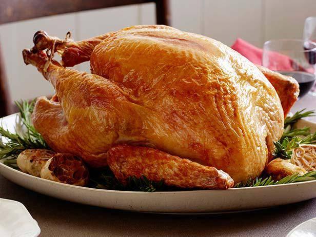 Как приготовить мягкую и сочную индейку в духовке к праздничному столу