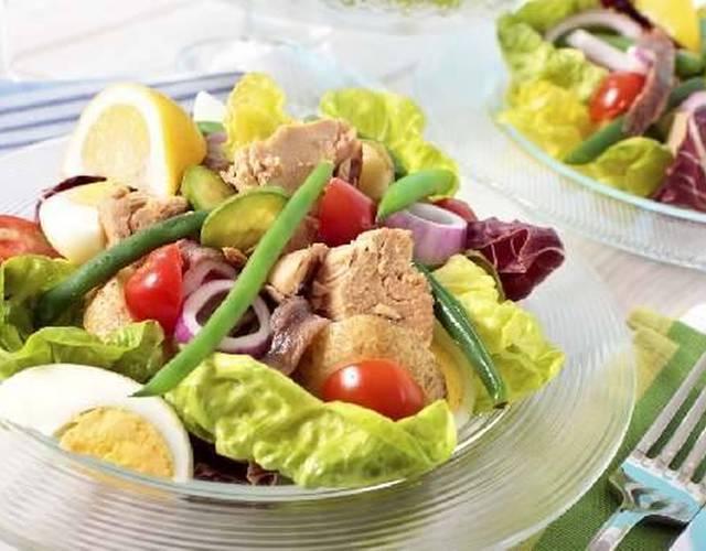 Пошаговый рецепт классического салата нисуаз с тунцом