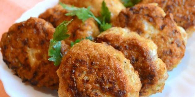 Драники из кабачков - рецепты с картофелем, колбасой, сыром и без яиц