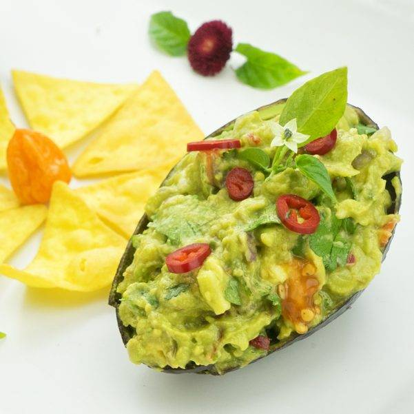 Гуакамоле — мексиканская соус-закуска из авокадо и лайма