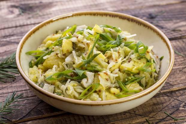Салат из квашеной капусты рецепт приготовления с фото