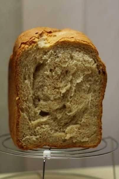 Хлеб с оливками и зеленью