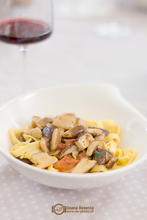 Паста с шампиньонами — феттуччине с обжаренными грибами в соусе