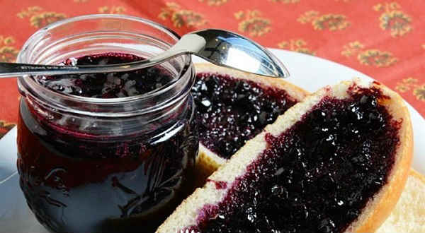 Варенье из ирги - простые рецепты на зиму, с черной смородиной, лимоном, малиной и без варки