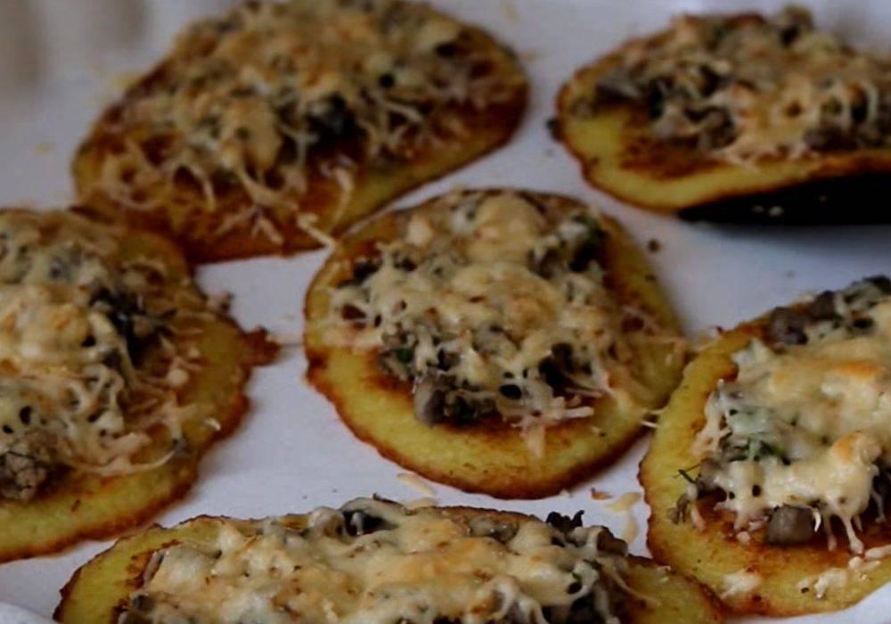 Драники с грибами и орехами