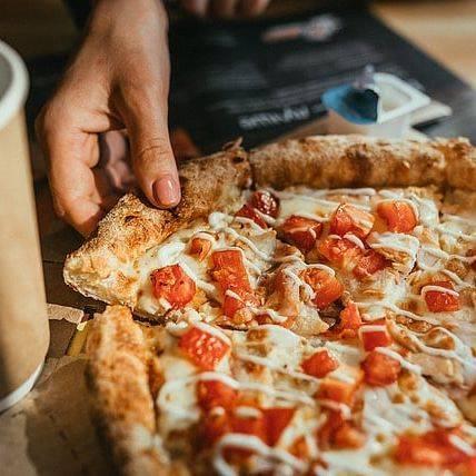 Самая вкусная пицца на батоне