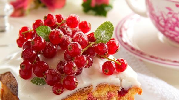 Кекс с ягодами на кефире