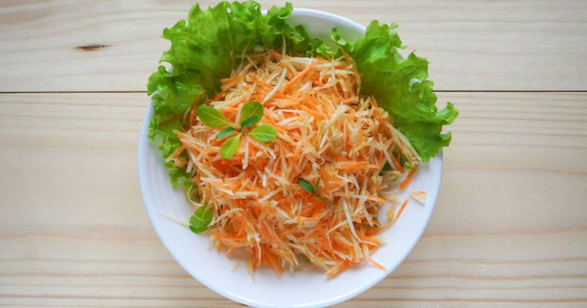 Морковный салат с яблоками и семечками