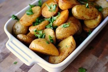 Запеченный картофель в духовке: рецепты с фото