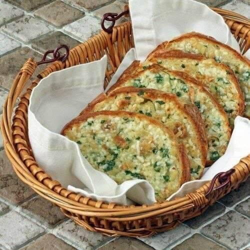 Хрустящие чесночные гренки с сыром