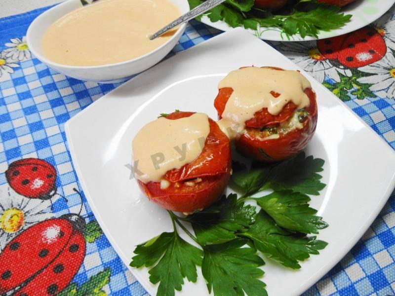 Фаршированные помидоры с сыром и яйцами в духовке