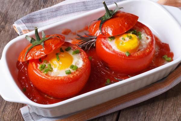 Идея для завтрака: яичная запеканка с сыром и овощами