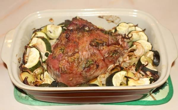 Филе индейки в духовке с овощами и сыром