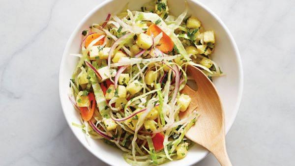 Изумительный овощной салат с ананасами
