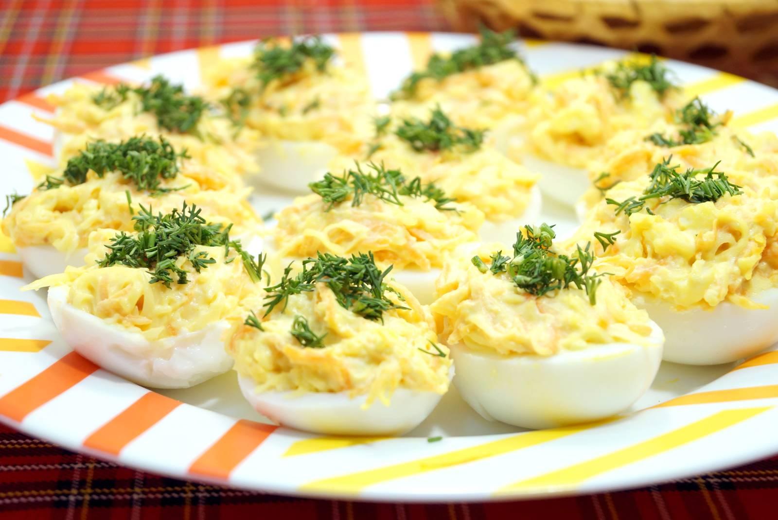 Фаршированные яйца: 10 рецептов |