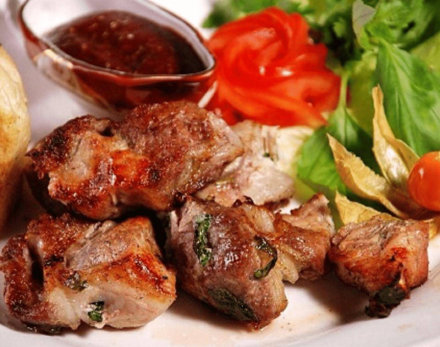 7 маринадов для шашлыка, которые сделают вкуснее любое мясо