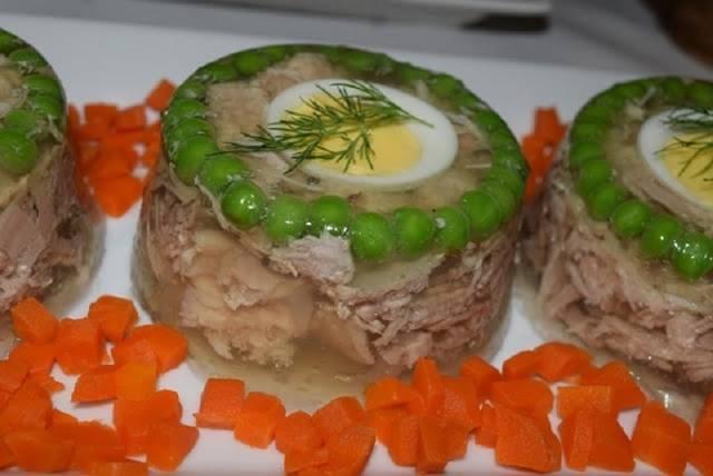 Фаршированная скумбрия с яйцом и желатином «по-царски»