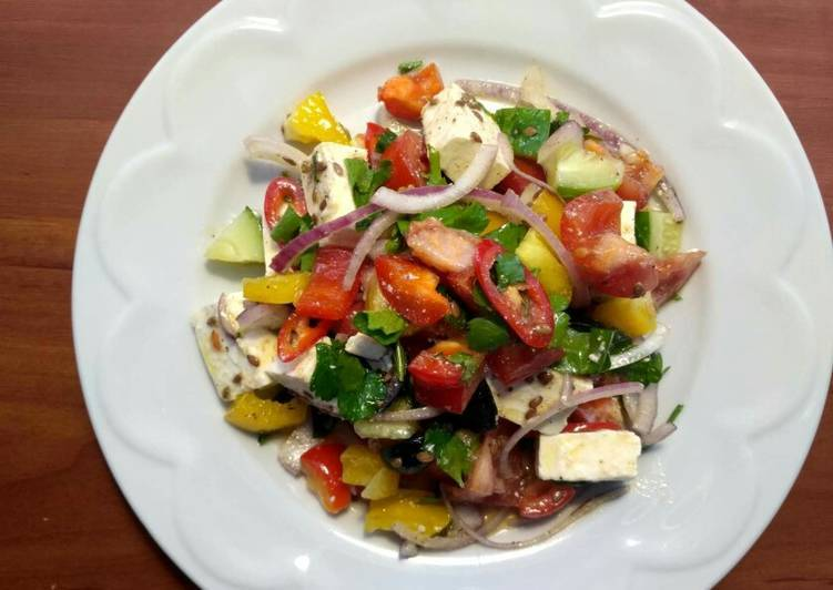 Салат с брынзой и огурцами