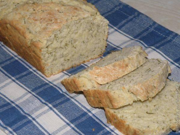 Хлеб с сыром, луком и укропом