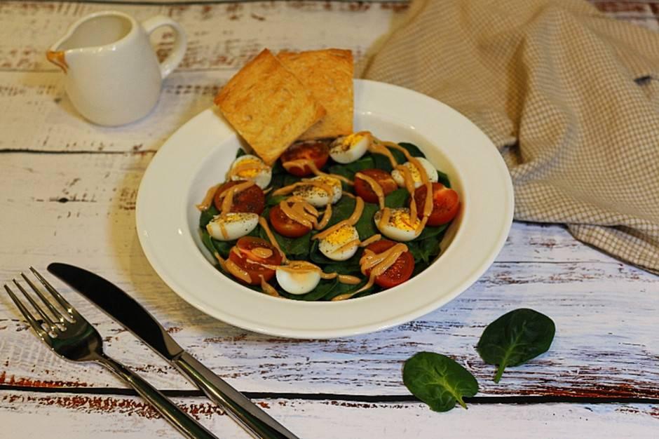 Салаты со шпинатом свежим