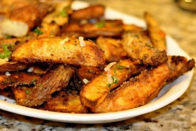 Картошка запеченная в духовке дольками —лучшие рецепты как запечь картошку